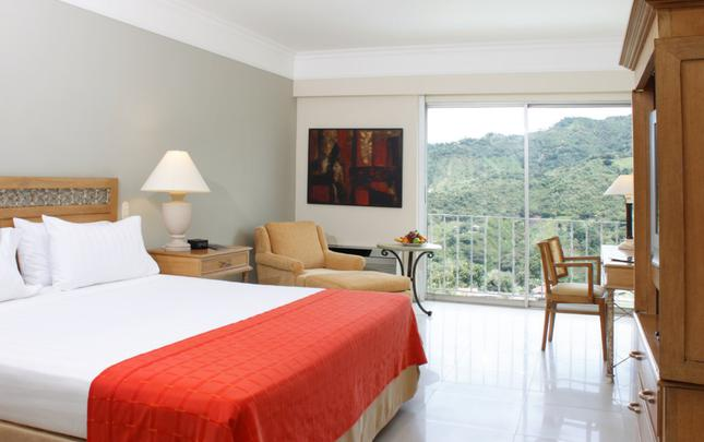 Superior Cama King ESTELAR Altamira Hotel Ibague